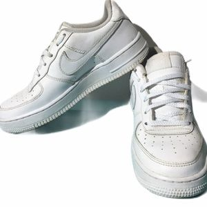 Nike Air Force 1 size 5.5 youth (7 women)